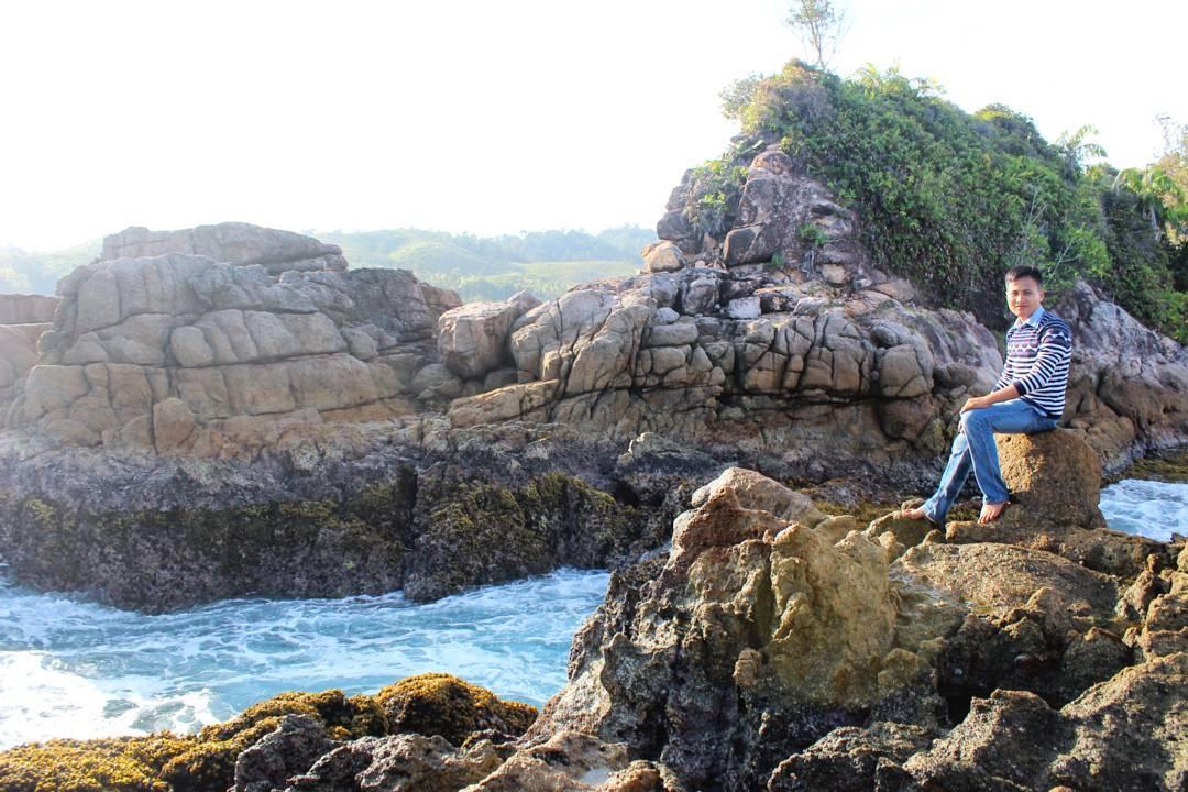 Destinasi Pantai Taluak Sikulo Pesisir Selatan