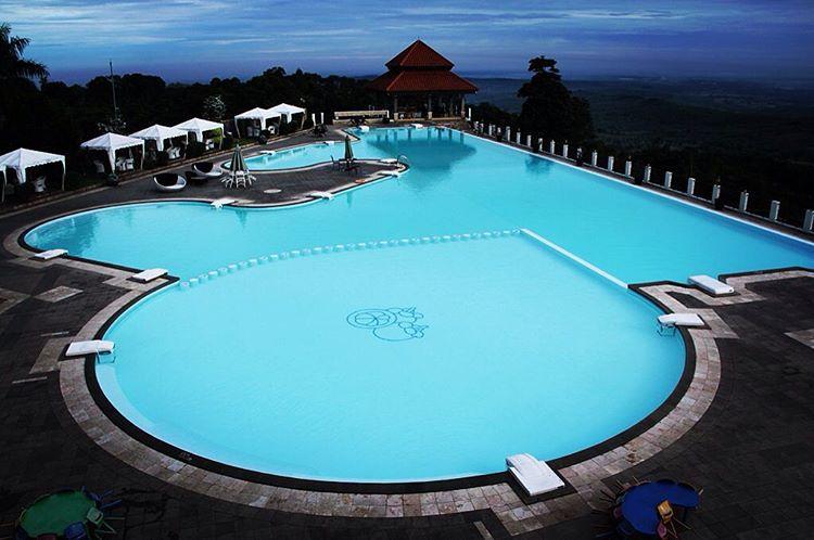 Kolam Pmeandian Resort Giri Tirta Kahuripan Purwakarta